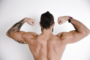 storyblocks fit man shows off muscular body_S32cg4htD SBI 346272256 300x200